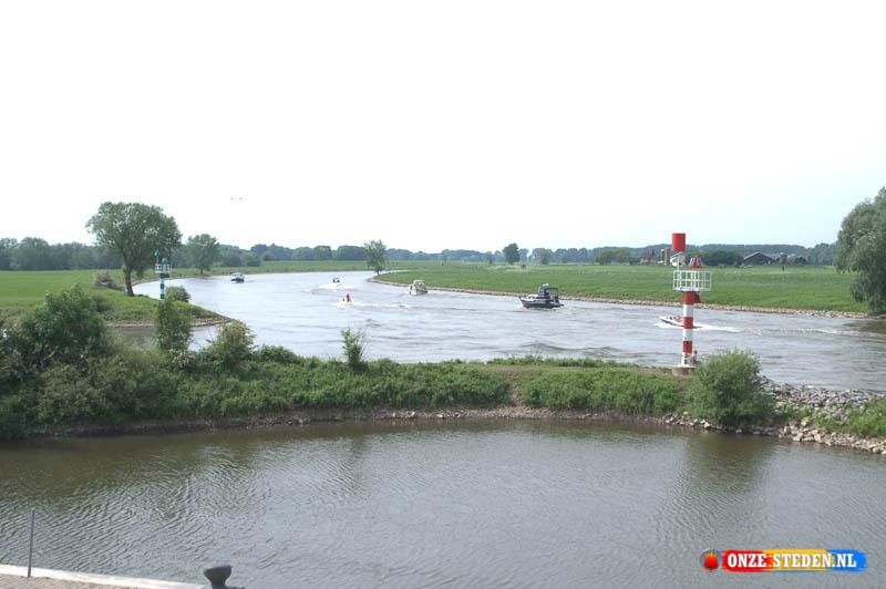 Rivier de IJssel vanaf de IJsselkade in Doesburg