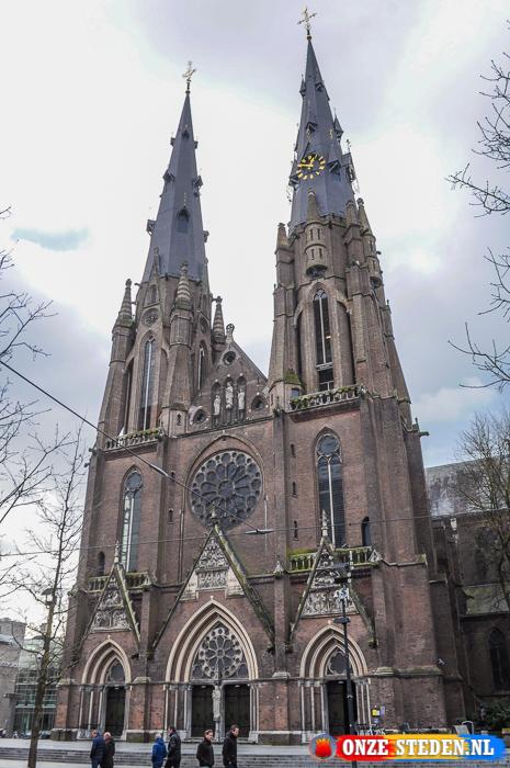 De Sint-Catharinakerk aan het Catharinaplein