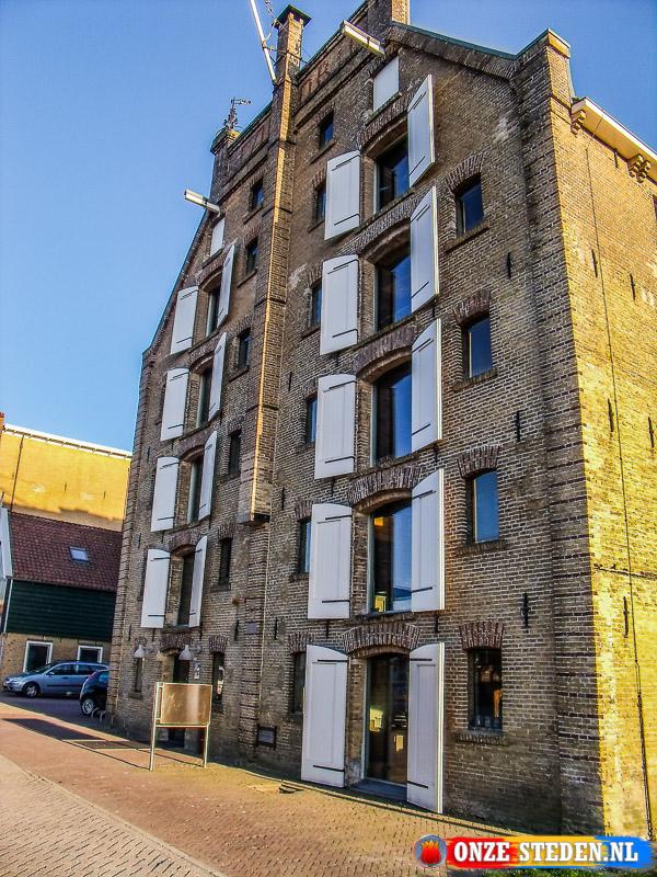 Pakhuis aan de Prinshedrikkade in Franeker