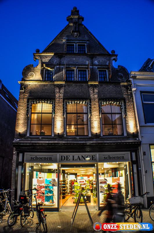 Schoenenwinkel aan de Oudestraat in Kampen