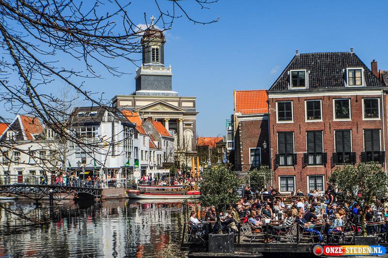 De Hooglandse Kerkgracht in Leiden