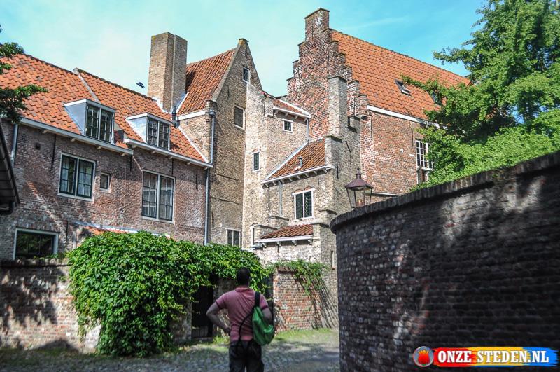 De historische Kuiperspoort in Middelburg