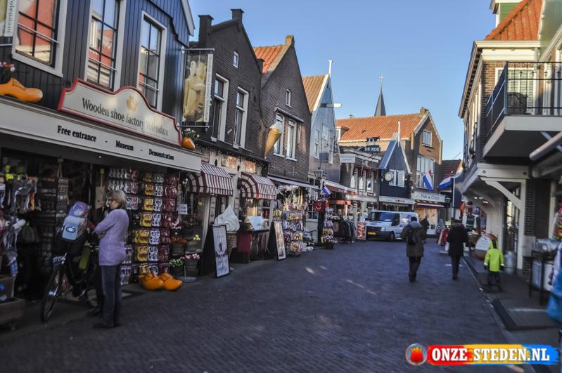 Straat de Haven in Volendam