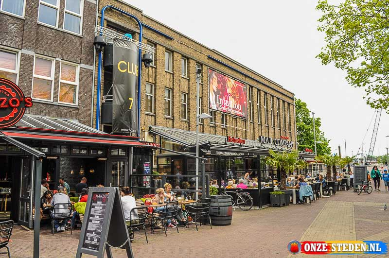 Dam Square in Zaandam met stapgelegenheid