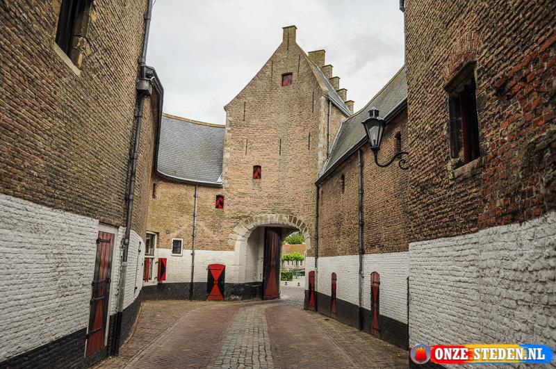 Zuidhavenpoort in Zierikzee uit de 14e eeuw