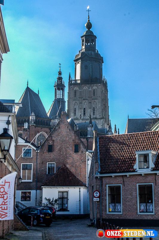 de Sint Walburgiskerk in Zutphen
