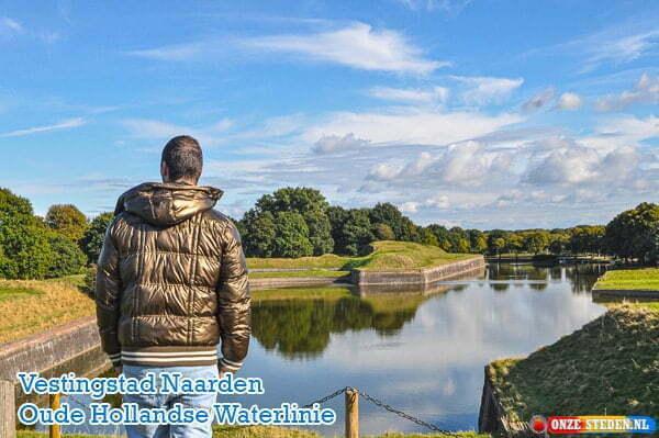 Vestingstad Naarden, Bastions, Oude Hollandse Waterlinie